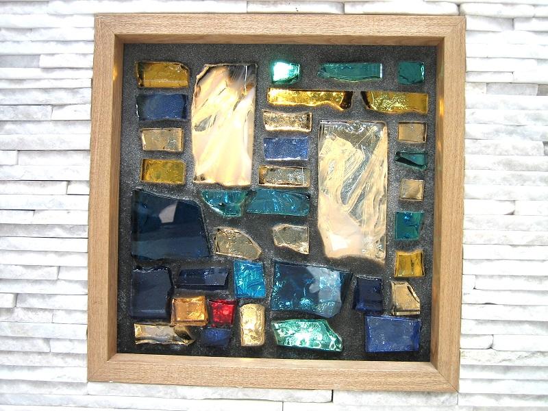 ステンドグラスの室内装飾窓