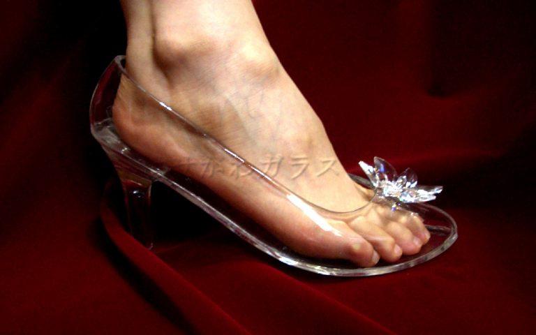 履けるガラスの靴をオーダーメイドで作るなら【はせがわガラス株式会社】へ~プレゼントにもおすすめ!値段はサイト内をご確認ください~